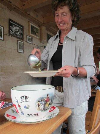 Berggasthaus Tschingelhorn: Proprietress serving us soup