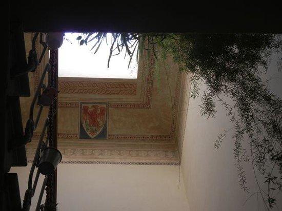 Soggiorno Annamaria: Skylight in the stairwell
