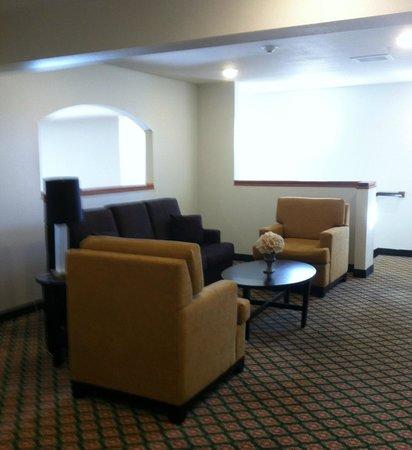 Sleep Inn & Suites: sitting area