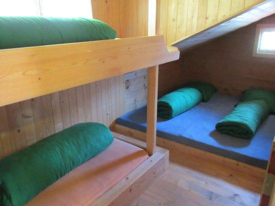 Berggasthaus Tschingelhorn: Small dorm for family