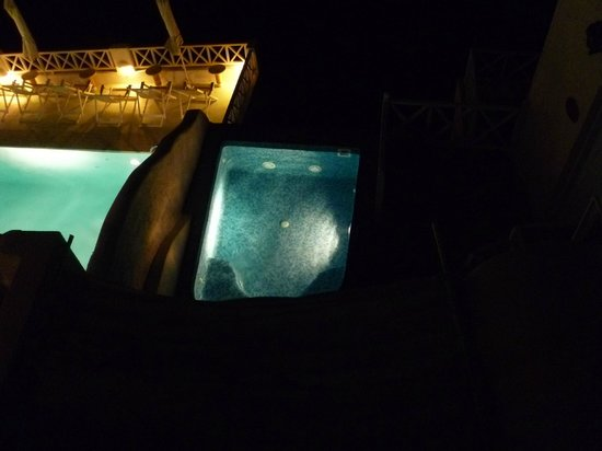 Spiliotica on the Cliff : Spa at night (shared with suite next door)