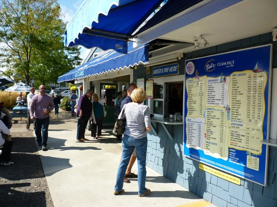 Bob's Clam Hut: Extensive menu