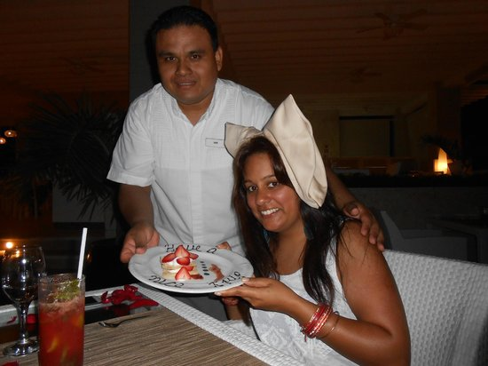 Beloved Playa Mujeres: Our last night with Noe