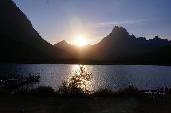 Many Glacier Hotel: sunset from room