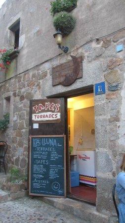 La Lluna : The restaurant entrance