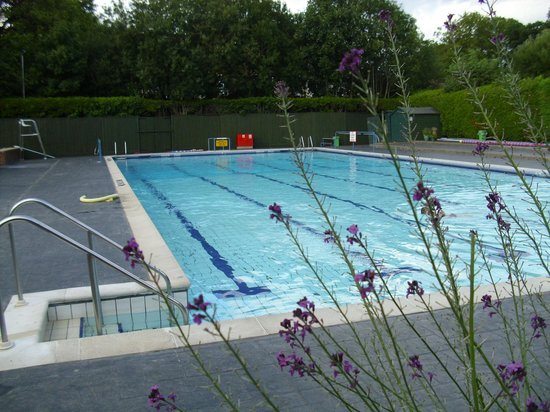 Changing Rooms Picture Of Petersfield Outdoor Air Swimming Pool Petersfield Tripadvisor