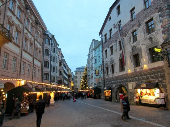 Best Western Plus Hotel Goldener Adler : Old town Innsbruck with Goldener Adler at right