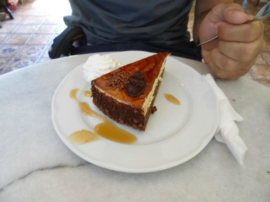 Melenio Cafe: Torta al caramello