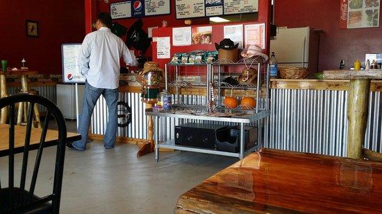 Slammin Jammin Southern Smoked BBQ: Cool digs