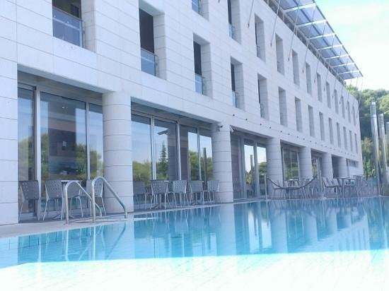 Hotel Uvala: Pool and terrace