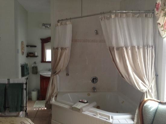 Victorian House: jacuzzi tub