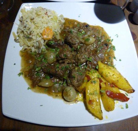 Akti Bar Restaurant : Beef Stifado