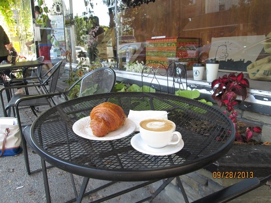 Coffee Depot: cappaccino and pastry
