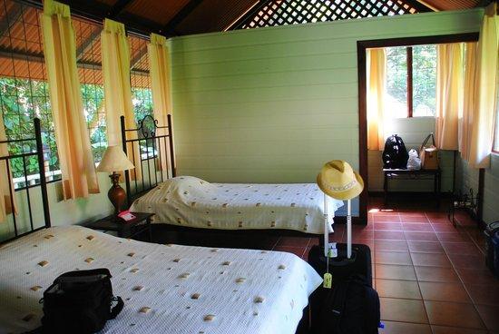 Aninga Lodge: our cabin inside