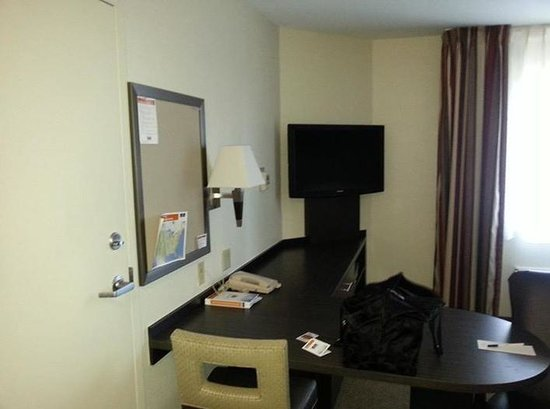 Candlewood Suites - Oklahoma City: work area