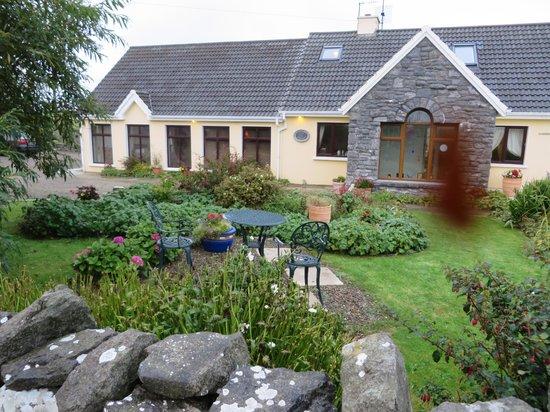 Daly's House: Adorable Irish Cottage
