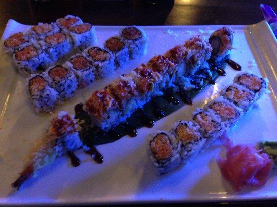 Wild Rice: Maki Combo B and Firecracker Roll