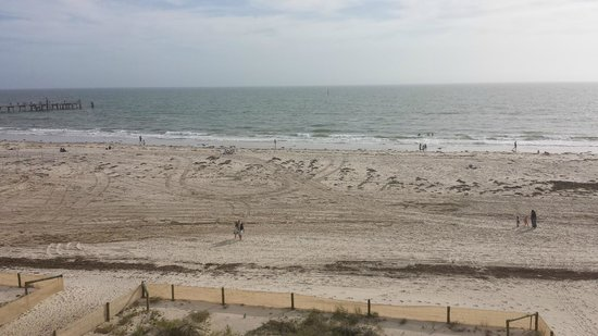 Oaks Plaza Pier Apartment Hotel: The view from room 214