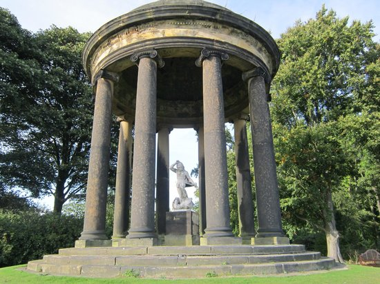 Rotherham, UK: Temple in the garden with a statue of Hercules