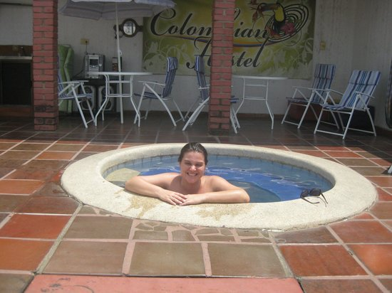 Colombian Home Hostel Cali: Refrescando do calor de Cali!