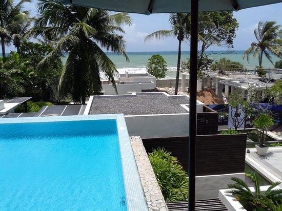 Aleenta Resort & Spa Phuket Phangnga: View of pool, ocean and construction site from balcony