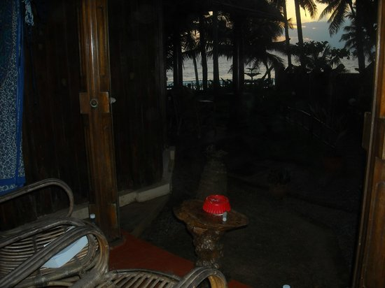 WoodHouse Beach Resort : The view from the bungalow