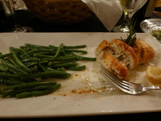 Gretna, Virginie : Flounder Stuffed with Crab, Green Beans-Wonderful