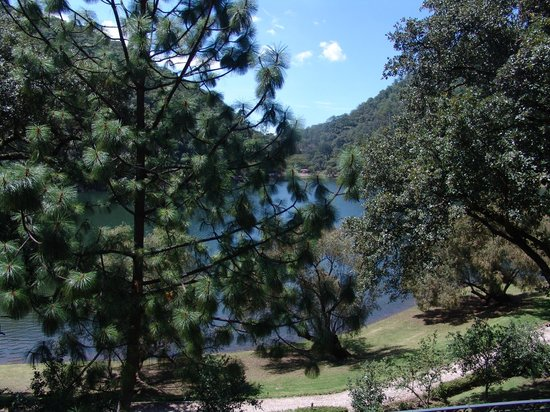 Sierra Lago Resort & Spa: Another view of the lake