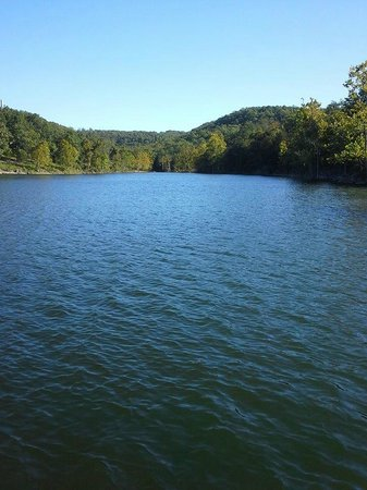 Alpine Lodge: Table Rock Lake from private dock