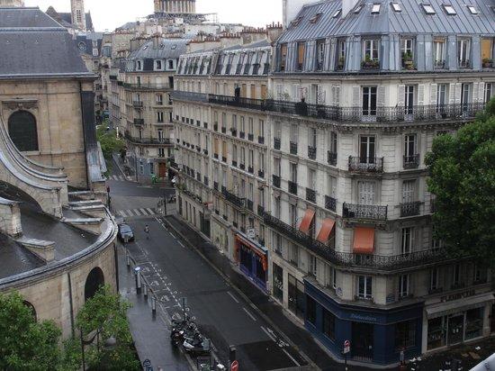 Hotel Abbatial Saint Germain: Views from the balcony