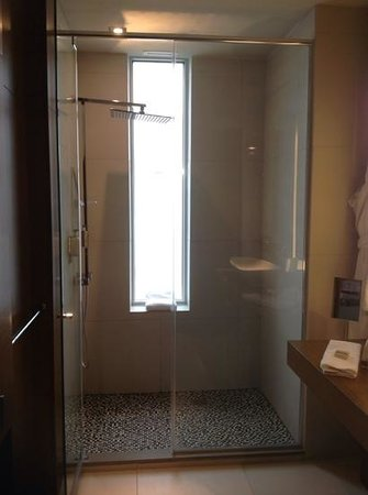 Hotel Le Germain Calgary: Glorious shower