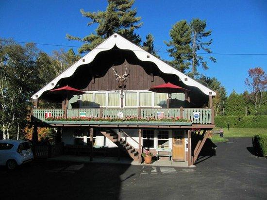 Town House Lodge: Il corpo centrale del Motel ospita stanze spaziose