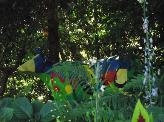 Rombauer Vineyards : Painted cow