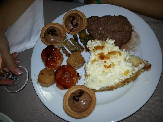 Kipriotis Village Resort: Sweets Plate
