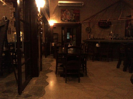 Don Chacho Grill: inside