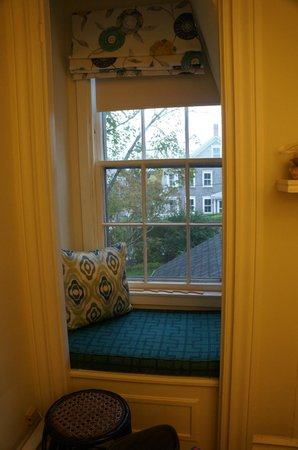 The Chapman House: Room 6, window seat