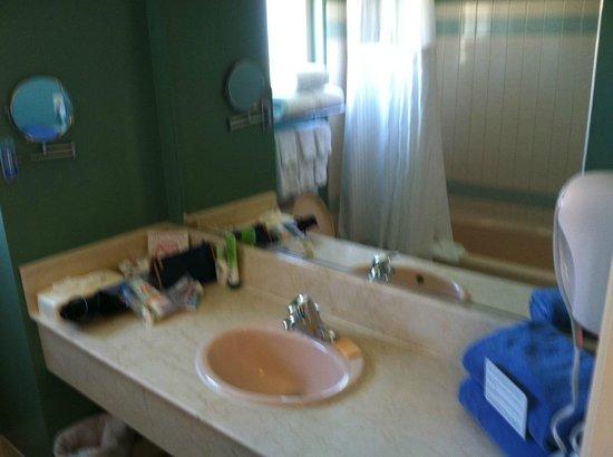 Ocean Park Inn: bathroom