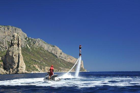 Santa Maria Navarrese, Italia: Flyboarding in Pedralonga-Baunei