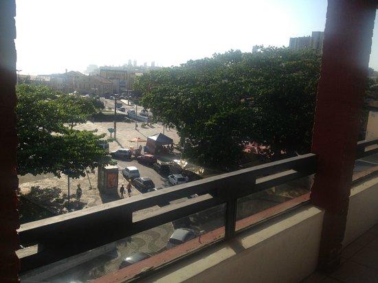 Vista para a praça e mar, da área da piscina (Bahia Park Hotel)