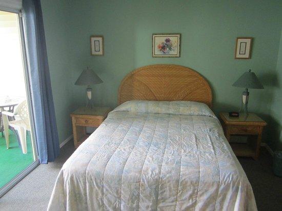 Sunset Motel: The bedroom