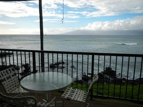 Noelani Condominium Resort : View from lanai on #202