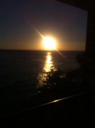Sheraton Waikiki: atardecer desde el balcón