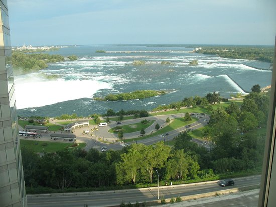 Radisson Hotel & Suites Fallsview: View from room 1237