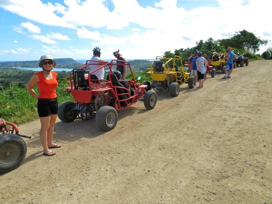 Buggy Fun Rentals: Photo opportunity at the lookout