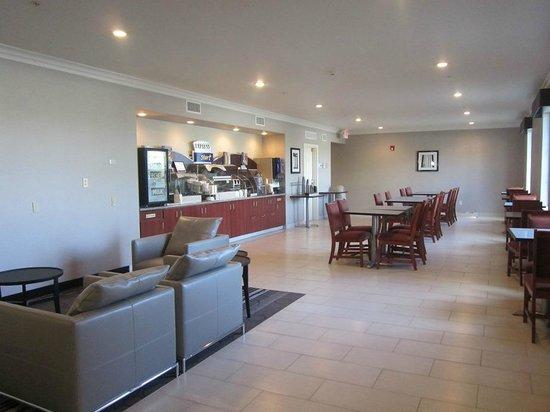 Holiday Inn Express Lancaster: dining area