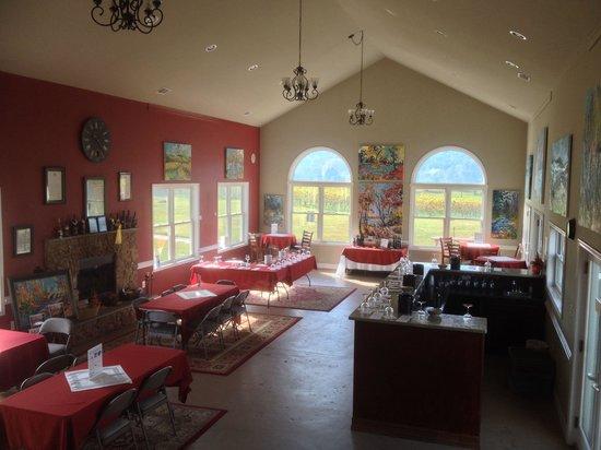 Philip Carter Winery: Inside big tasting room