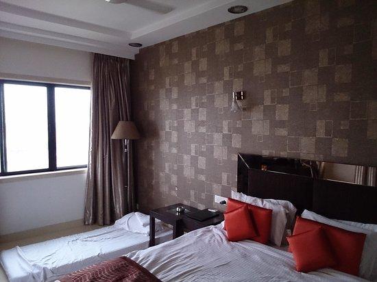 Hotel Supreme : my room 1-5501
