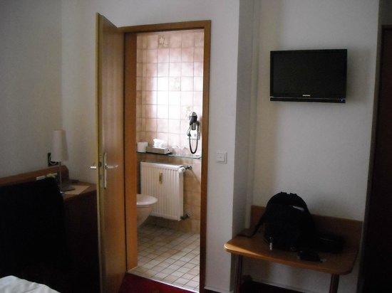 Hotel Haussler: Room