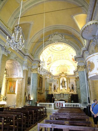 Eglise Notre Dame de l'Assomption : 教会内部。