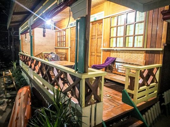 Tandikan Beach Cottages: Family Duplex Rooms.
